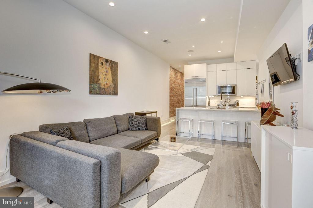Open floor plan - 1817 VERNON ST NW #2, WASHINGTON