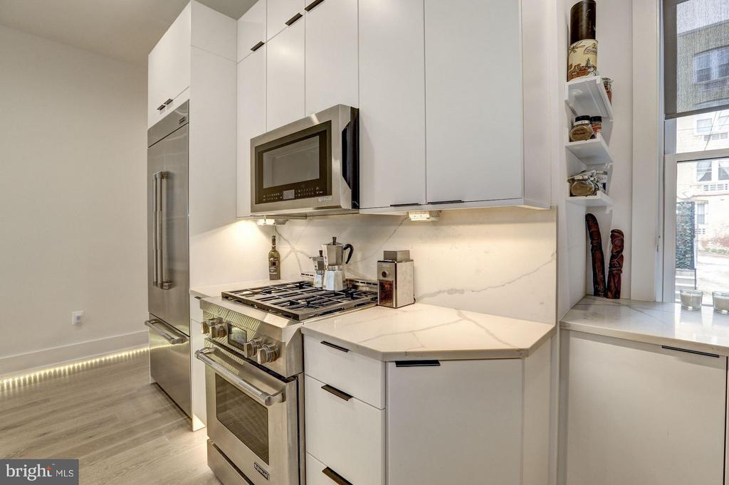 High-end appliances - 1817 VERNON ST NW #2, WASHINGTON