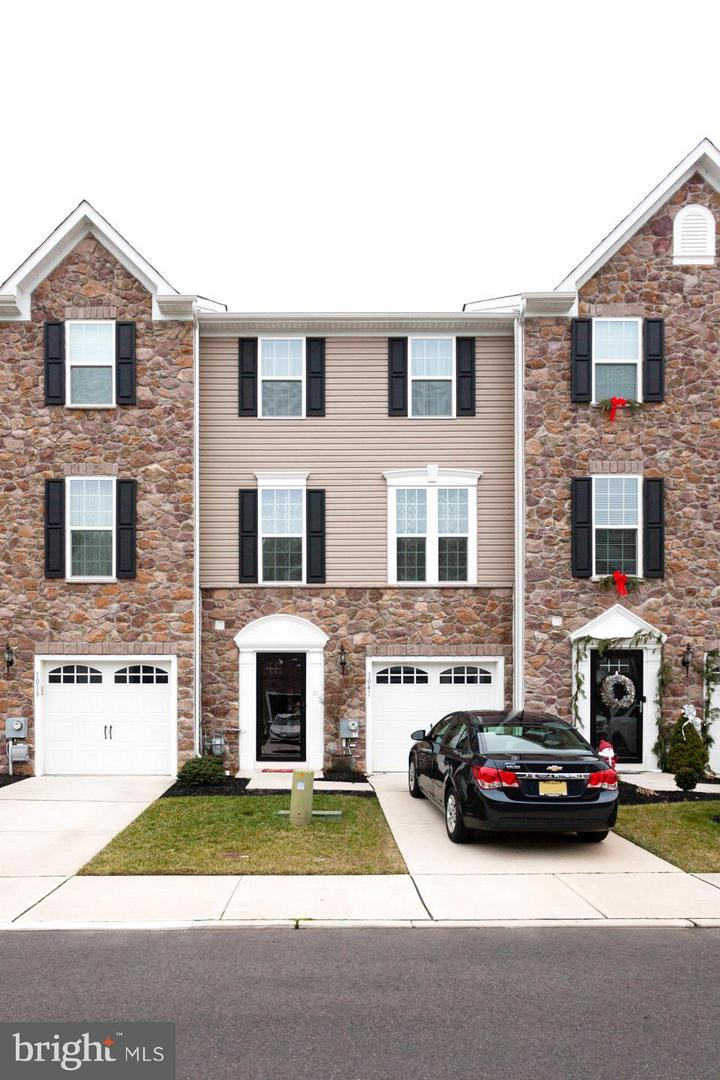 Photo of home for sale at 1041 Regency, Sewell NJ