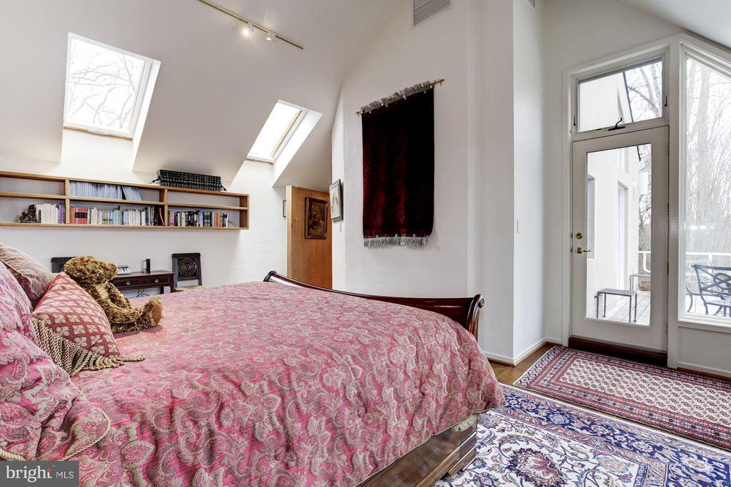 (2) Guest Suite and Door to Deck - 11601 SPRINGRIDGE RD, ROCKVILLE