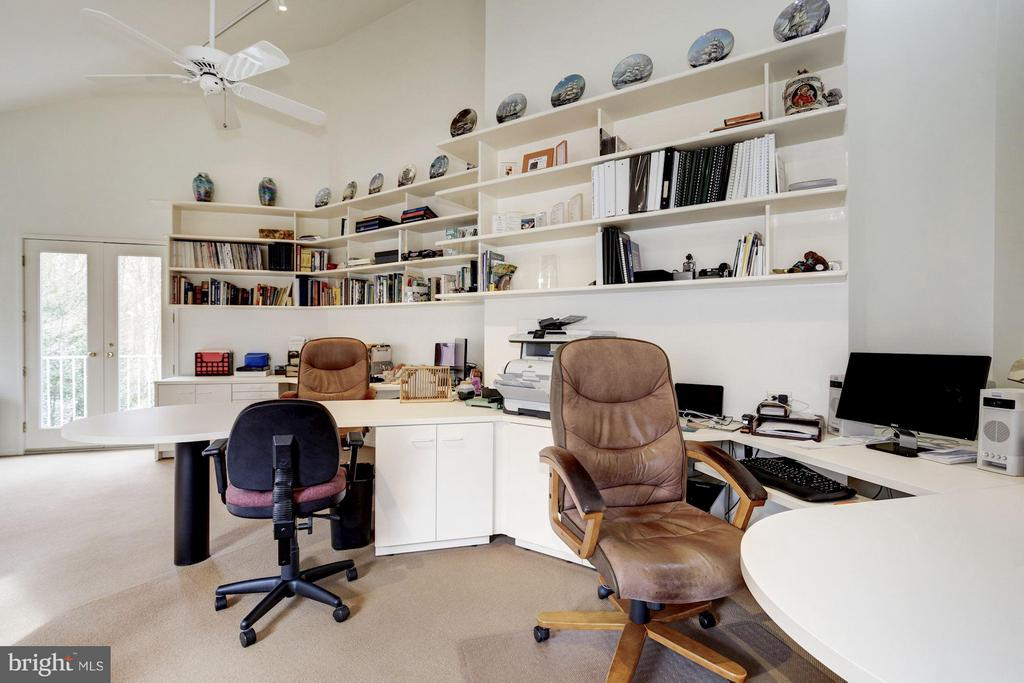 (1) Loft Office with Balcony Deck - 11601 SPRINGRIDGE RD, ROCKVILLE