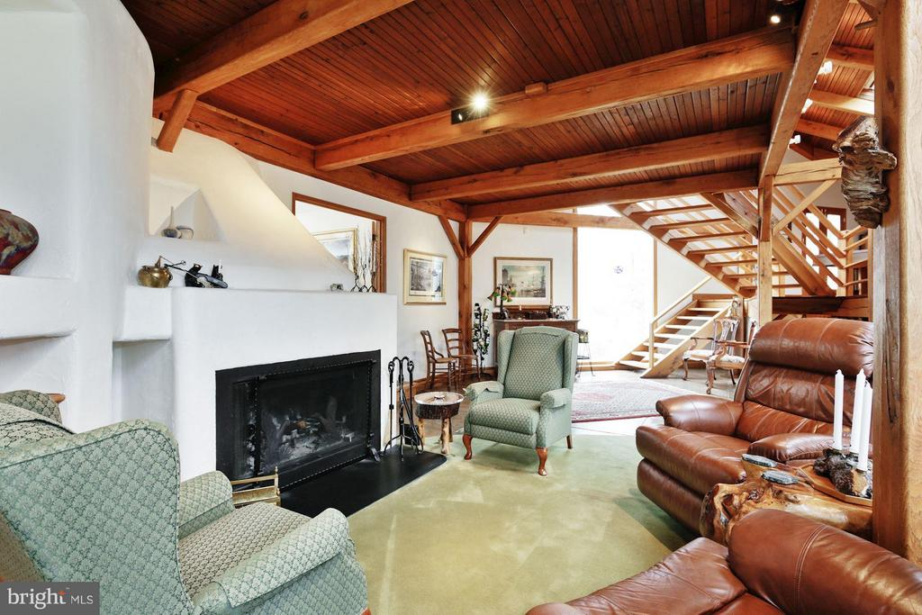 (3) Media/Family Room; Circulating Wood Fireplace - 11601 SPRINGRIDGE RD, ROCKVILLE