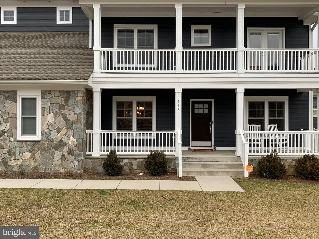 Double Porches - 118 MADISON RIDGE LN, HERNDON