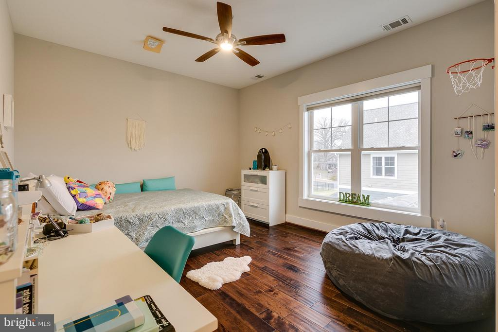Second Bedroom - 118 MADISON RIDGE LN, HERNDON