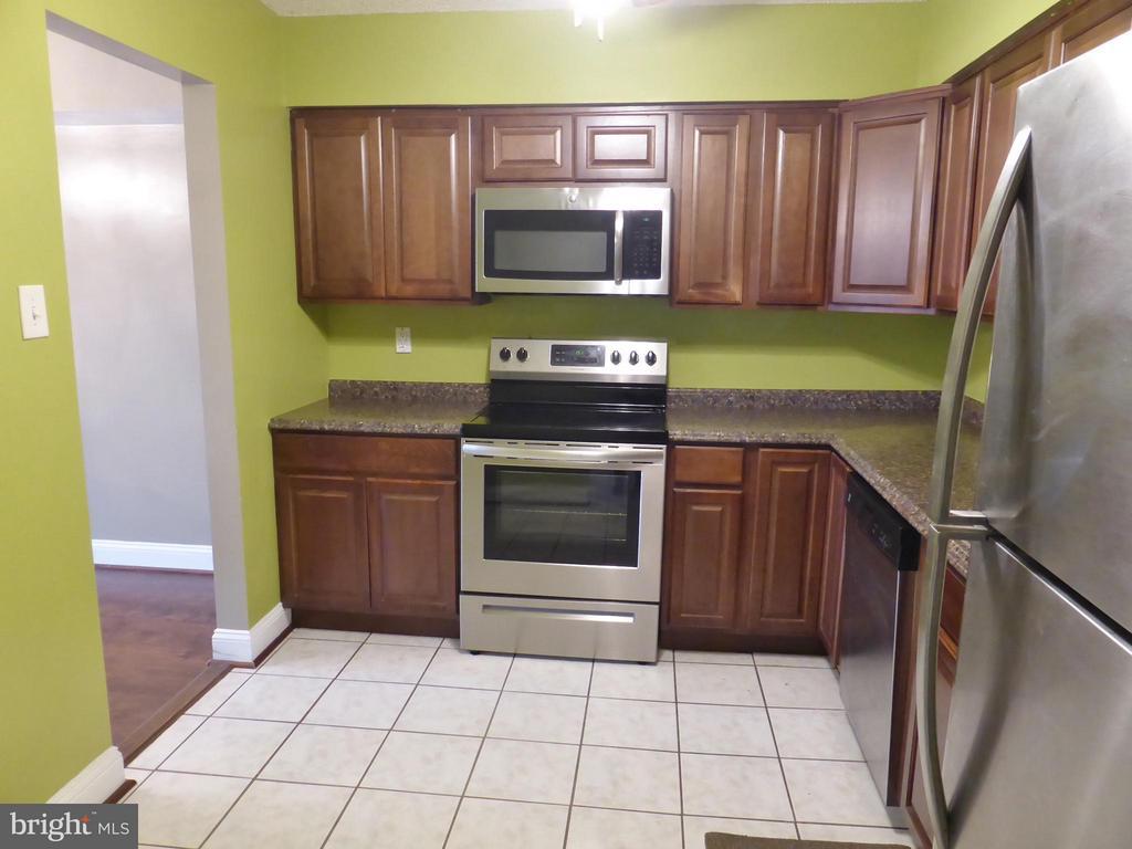 Kitchen - 3807 LARAMIE PL #G, ALEXANDRIA