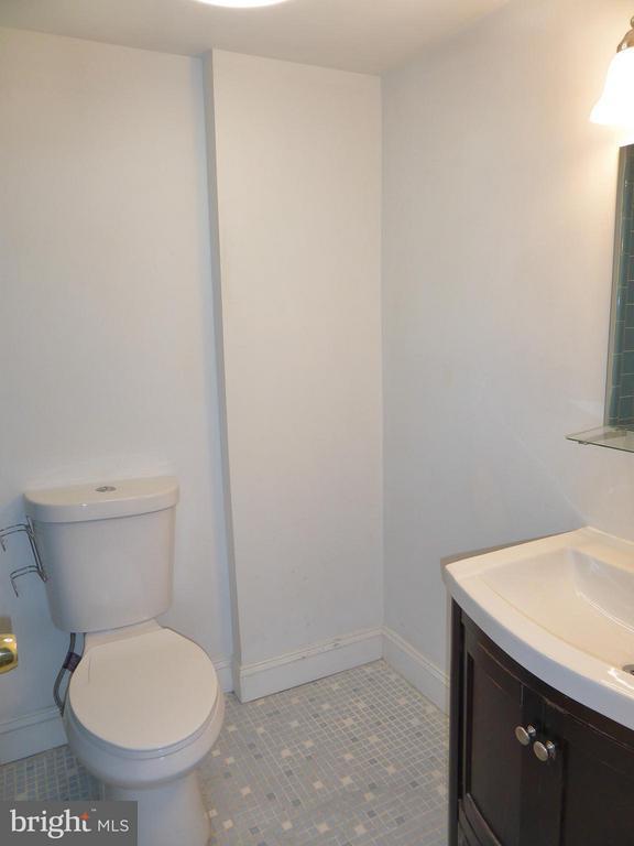 Master Bathroom - 3807 LARAMIE PL #G, ALEXANDRIA