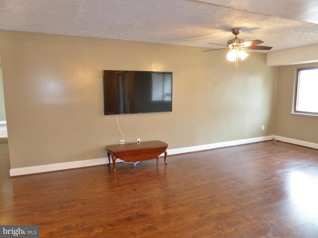 Living Room - 3807 LARAMIE PL #G, ALEXANDRIA