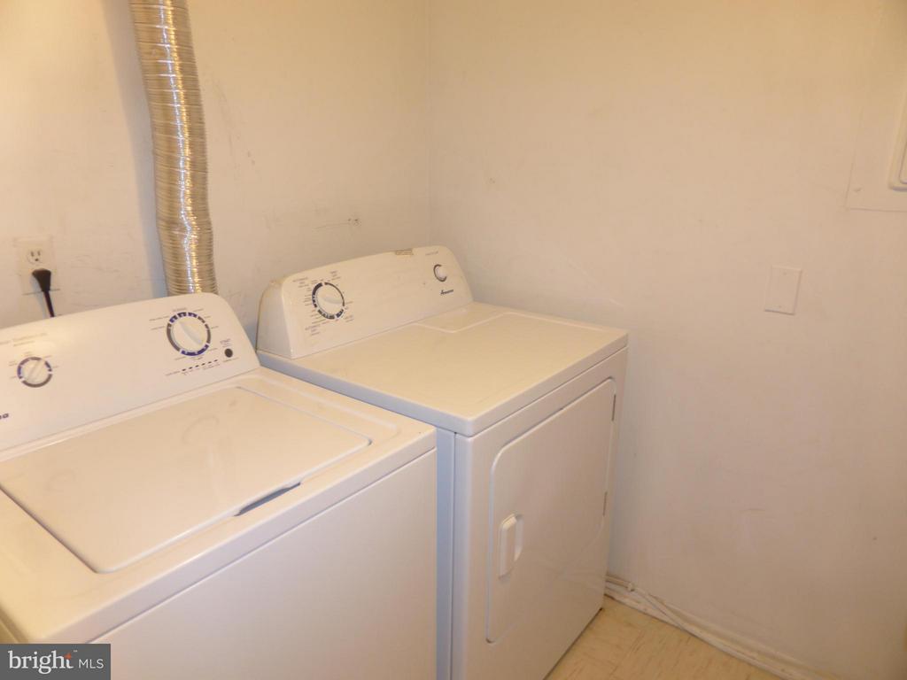 Laundry in Unit - 3807 LARAMIE PL #G, ALEXANDRIA