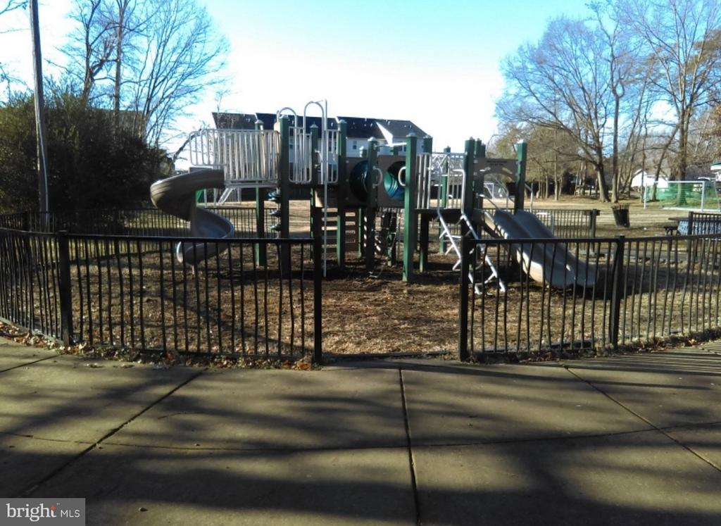 Community Playground view 1 - 913 ANVIL RD, FREDERICKSBURG