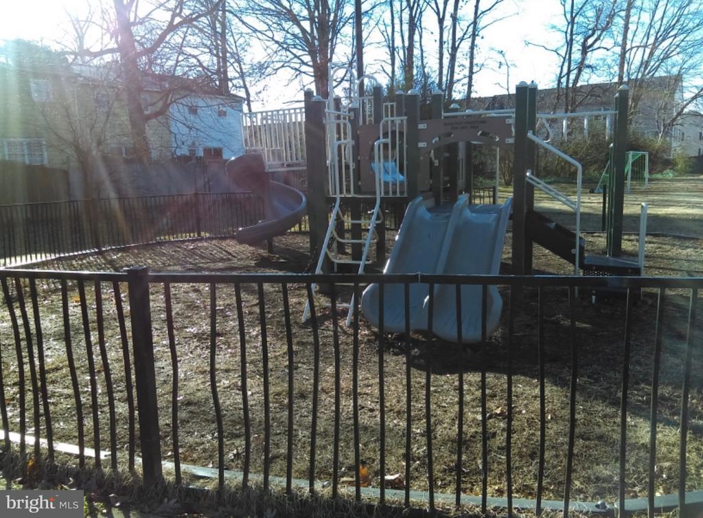Community Playground view 2 - 913 ANVIL RD, FREDERICKSBURG
