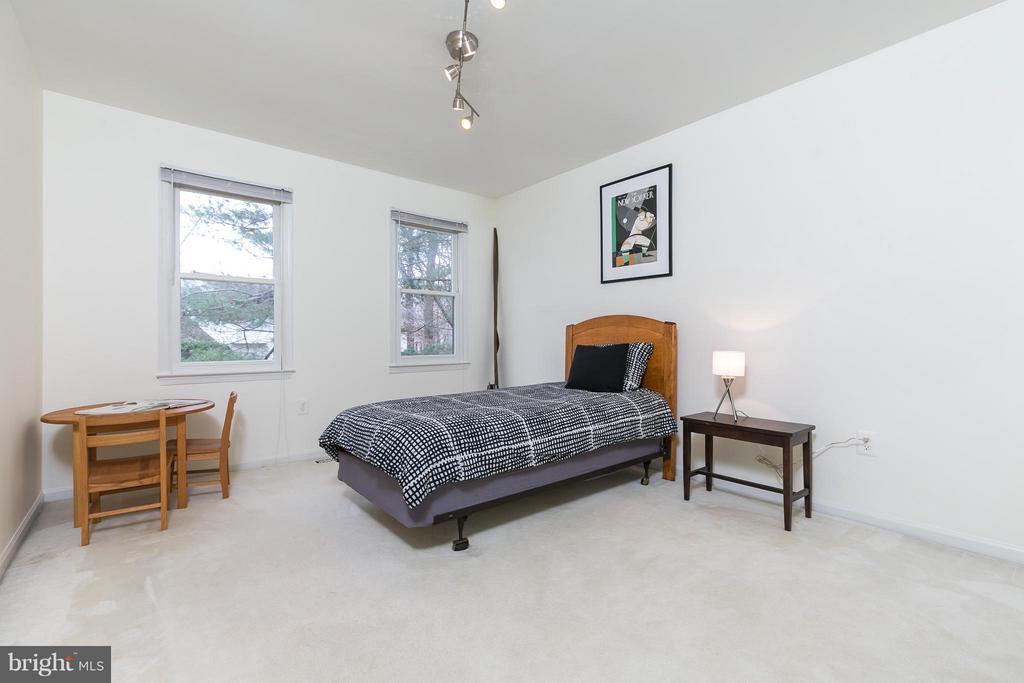 Bedroom 3 - 6026 MAKELY DR, FAIRFAX STATION