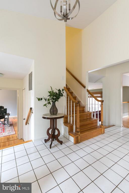 Grand Foyer w/Stairs to Bedroom Level & Office - 6026 MAKELY DR, FAIRFAX STATION