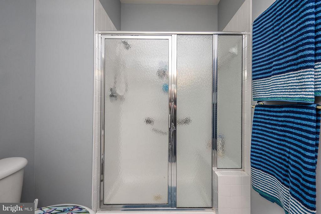 Master Shower - 85 LEGEND DR, FREDERICKSBURG