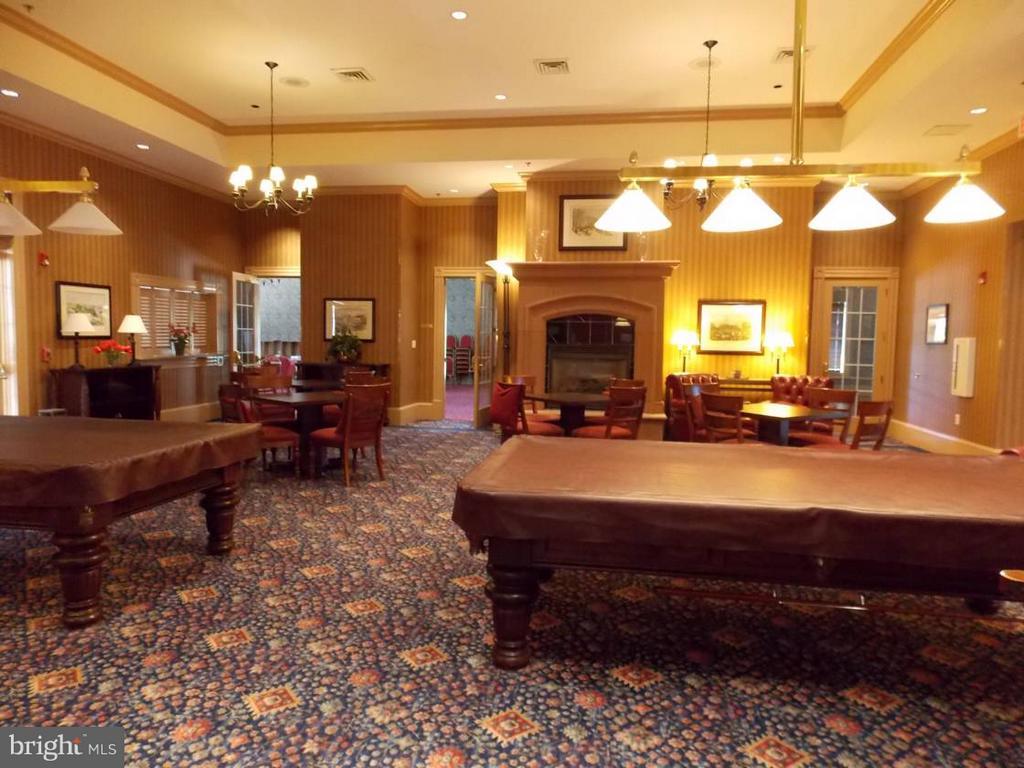 Community Billiards Room - 85 LEGEND DR, FREDERICKSBURG