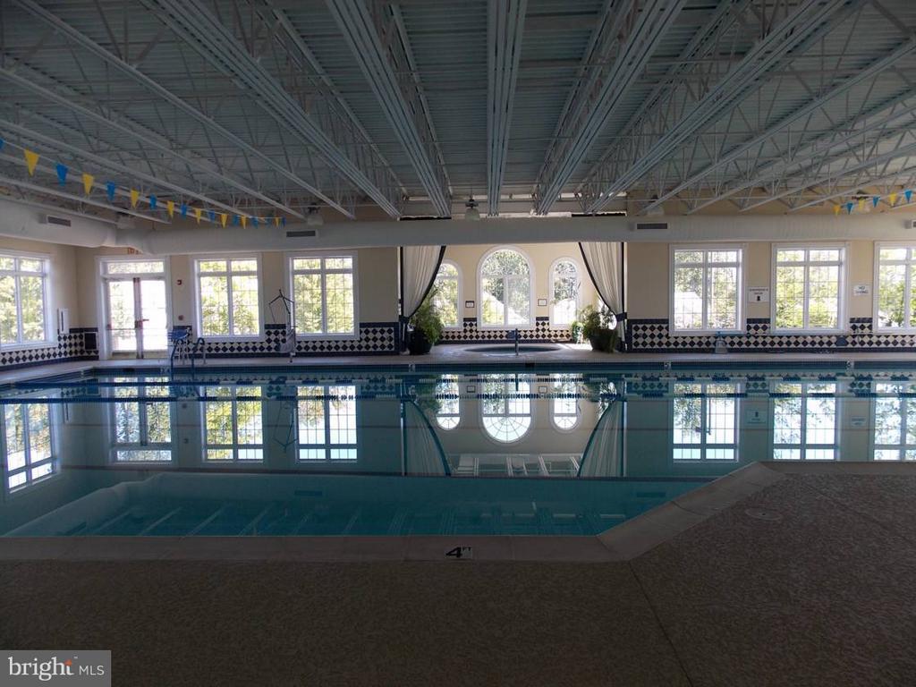 Community Indoor Pool and Hot Tub - 85 LEGEND DR, FREDERICKSBURG