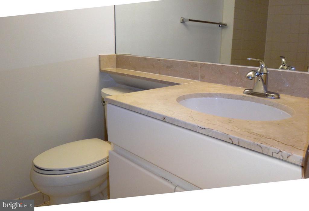 Bath - 801 PENNSYLVANIA AVE NW #1126, WASHINGTON