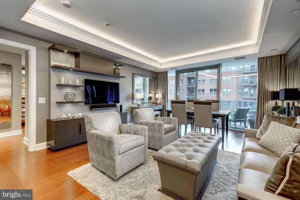Spacious Sunlit Living Room - 1881 N NASH ST #506, ARLINGTON