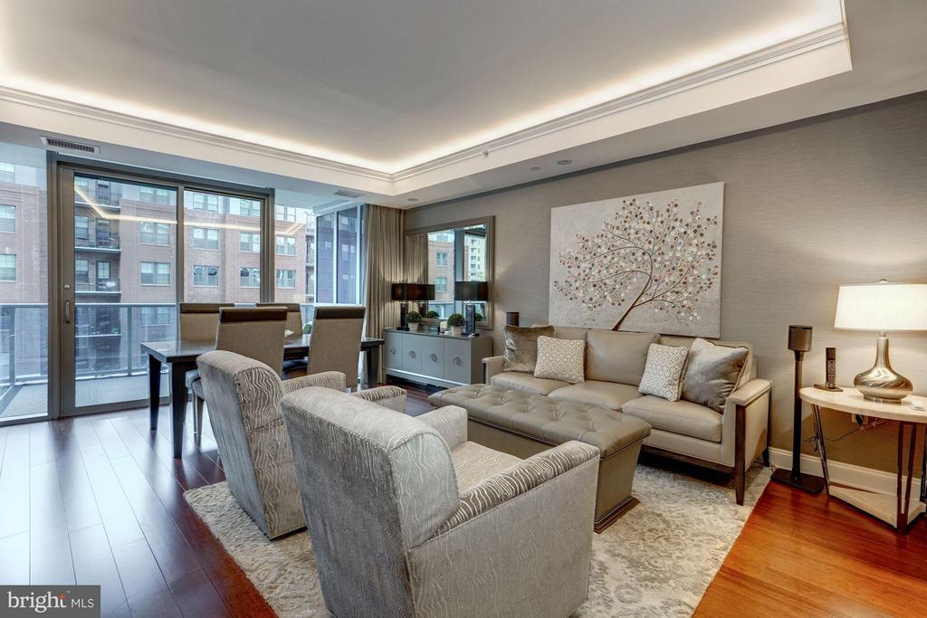 Sunlit Living Room - 1881 N NASH ST #506, ARLINGTON