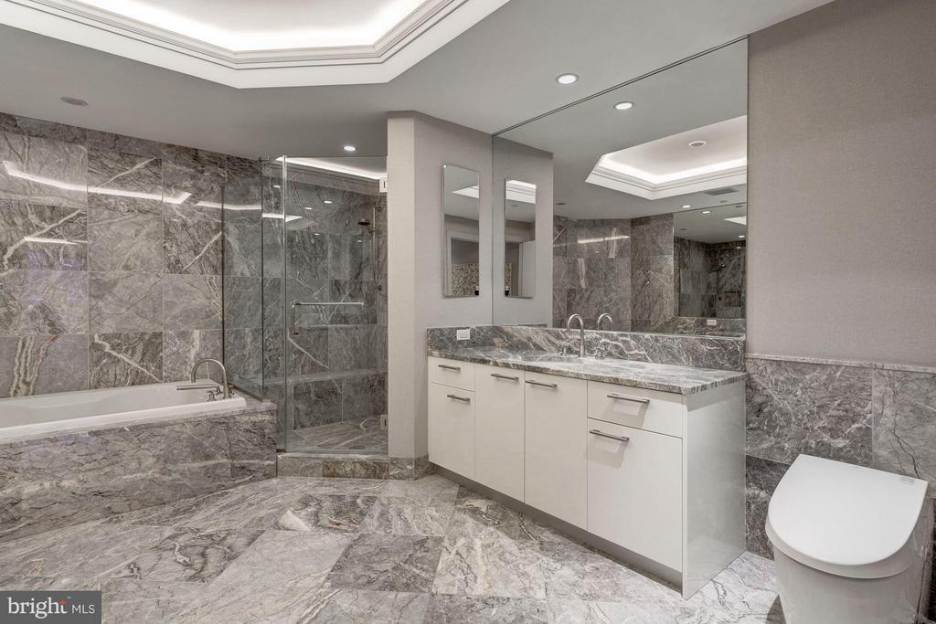 Master Bath with Dual Sinks - 1881 N NASH ST #506, ARLINGTON