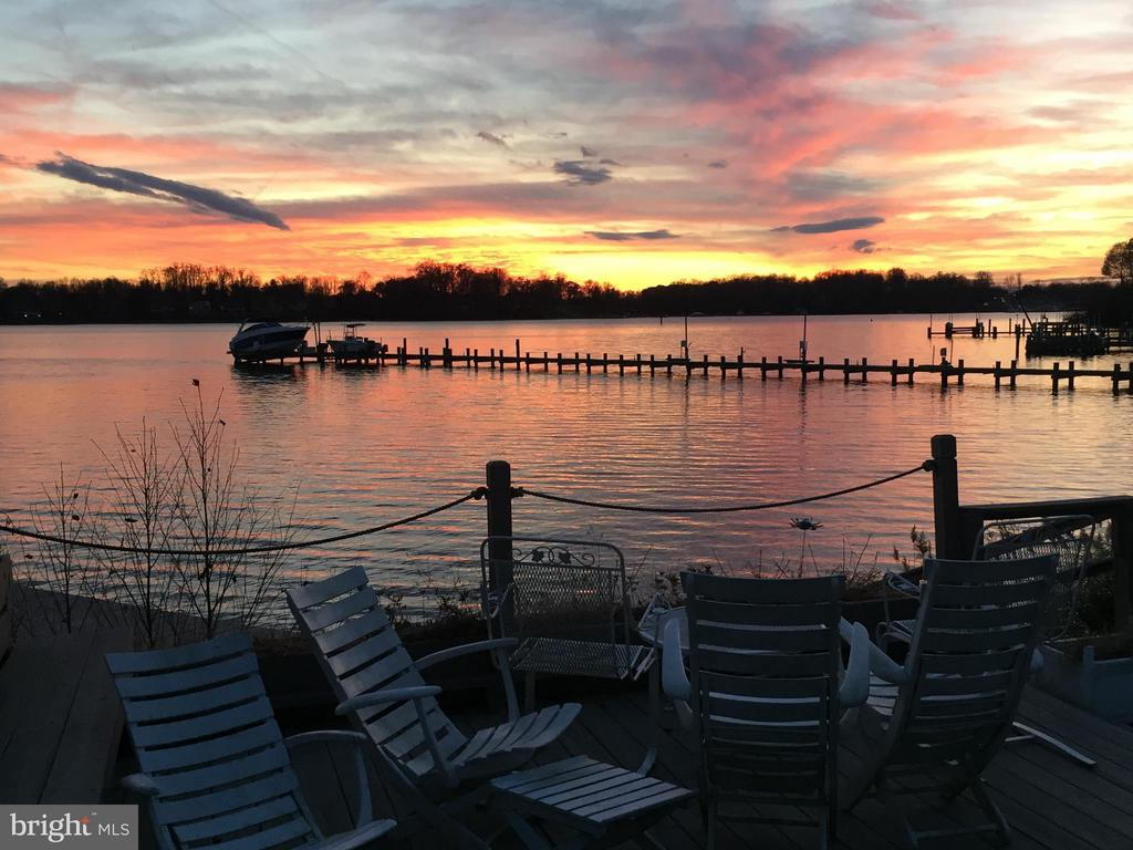 Enjoy Sunsets at the Waterside Patio - 2808 DEEPWATER TRL, EDGEWATER