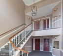 Welcome to building foyer - 4050-B GRAYS POINTE CT, FAIRFAX