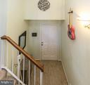 Quaint foyer entry to welcome you home. - 4050-B GRAYS POINTE CT, FAIRFAX