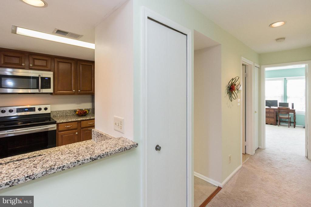 Pantry for extra storage - 4050-B GRAYS POINTE CT, FAIRFAX