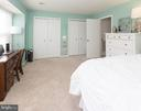 Spacious bedroom with 2 closets - 4050-B GRAYS POINTE CT, FAIRFAX
