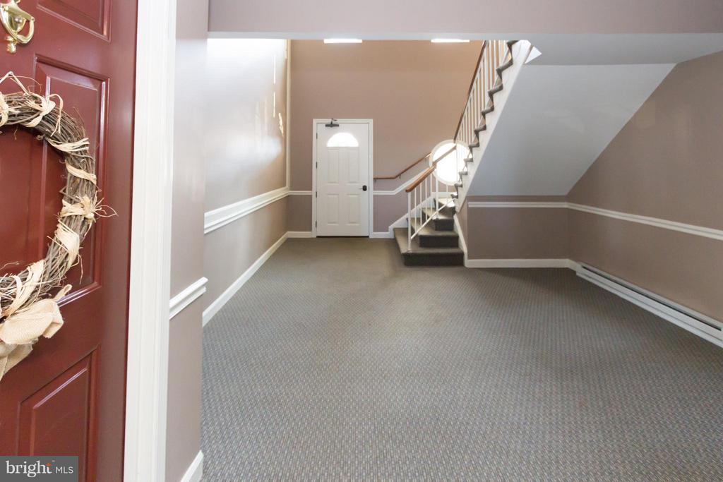 View to building foyer from unit - 4050-B GRAYS POINTE CT, FAIRFAX