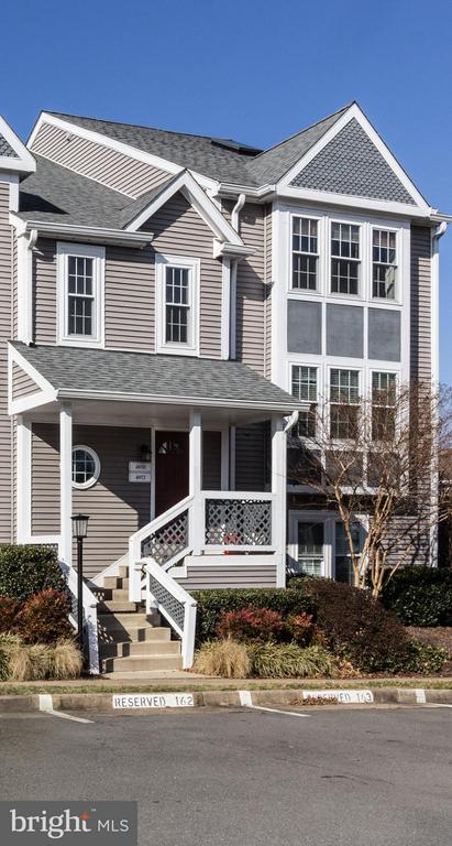 - 4050-B GRAYS POINTE CT, FAIRFAX