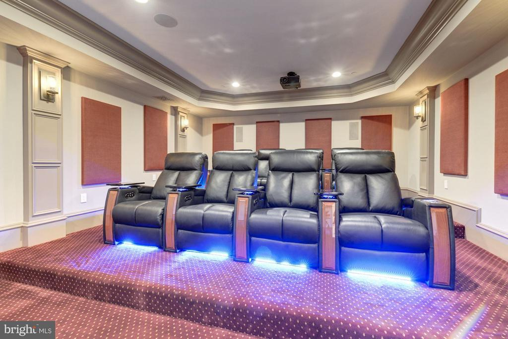 Professional Home Theater - 3301 FESSENDEN ST NW, WASHINGTON