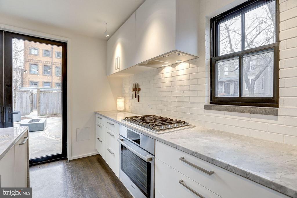 Main Level - Kitchen - 1901 12TH ST NW, WASHINGTON