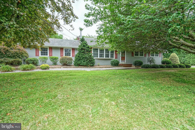 Maison unifamiliale pour l Vente à 218 WILLIS Road Shiloh, New Jersey 08302 États-UnisDans/Autour: Stow Creek Twp