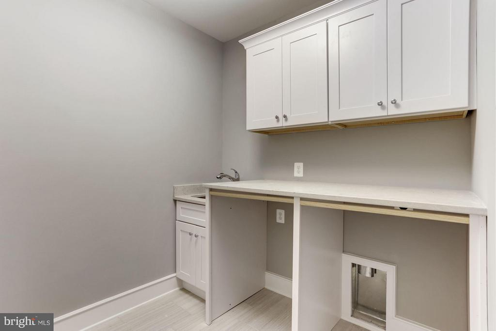1 of 2 laundry rooms - 3411 N WOODROW ST, ARLINGTON