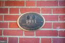 HFFI marker showing Peck Heflin as builder - 804 CORNELL ST, FREDERICKSBURG