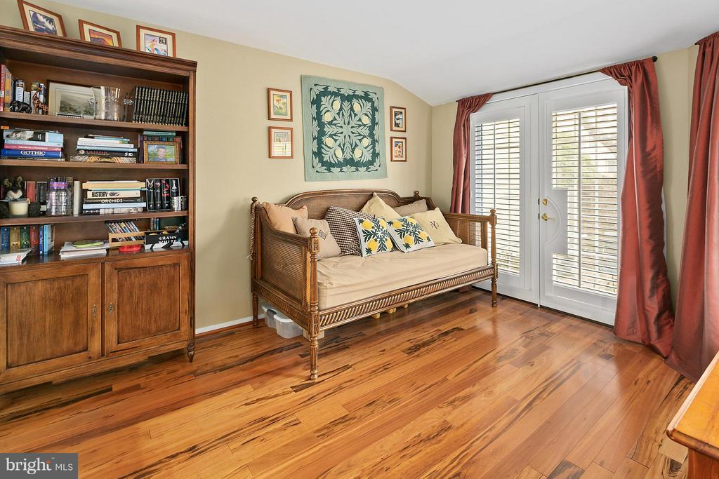Bedroom 2 - 5806 LINDEN SQUARE CT #38, NORTH BETHESDA