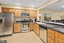 Stainless Steel Appliances - 5806 LINDEN SQUARE CT #38, NORTH BETHESDA