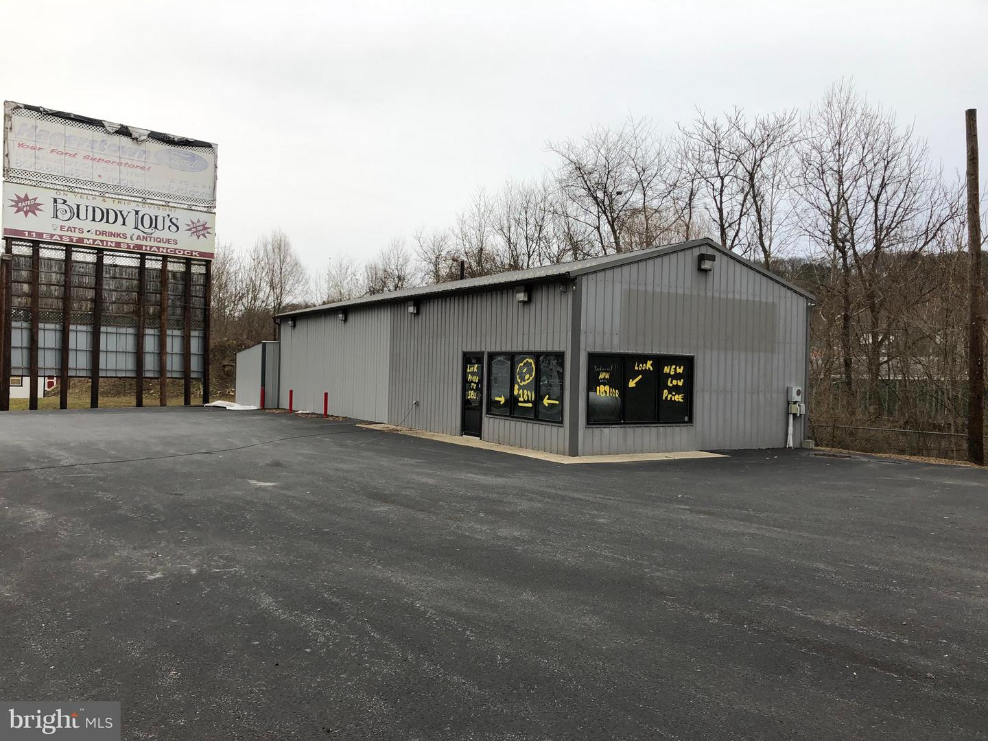 Commercial for Sale at 490-North Washington St Berkeley Springs, West Virginia 25411 United States