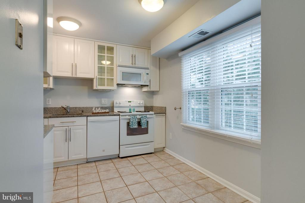 Enough space for small table - 6358 PINE VIEW CT #62B, BURKE
