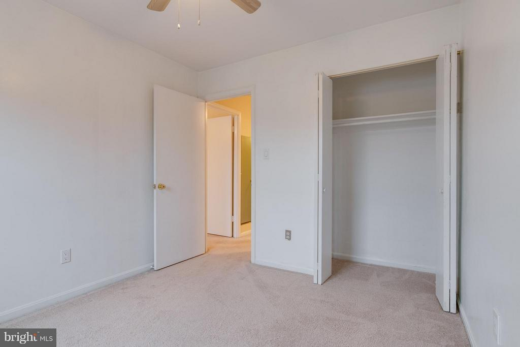 Second bedroom with large closet - 6358 PINE VIEW CT #62B, BURKE