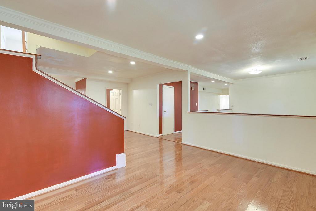 Foyer View to Living/Sitting Area - 1341 GORDON LN, MCLEAN