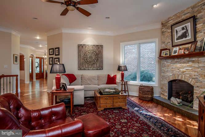 Warm and Inviting Family Room w/ Stone Fireplace - 11207 KNOLLS END, SPOTSYLVANIA