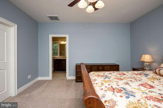 Bedroom 1 w/ Large Walk-in Closet - 11207 KNOLLS END, SPOTSYLVANIA