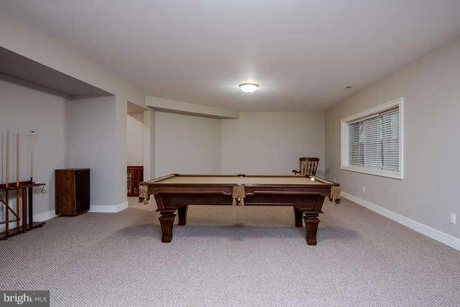 Large Basement Rec Room w/ Full Window - 11207 KNOLLS END, SPOTSYLVANIA
