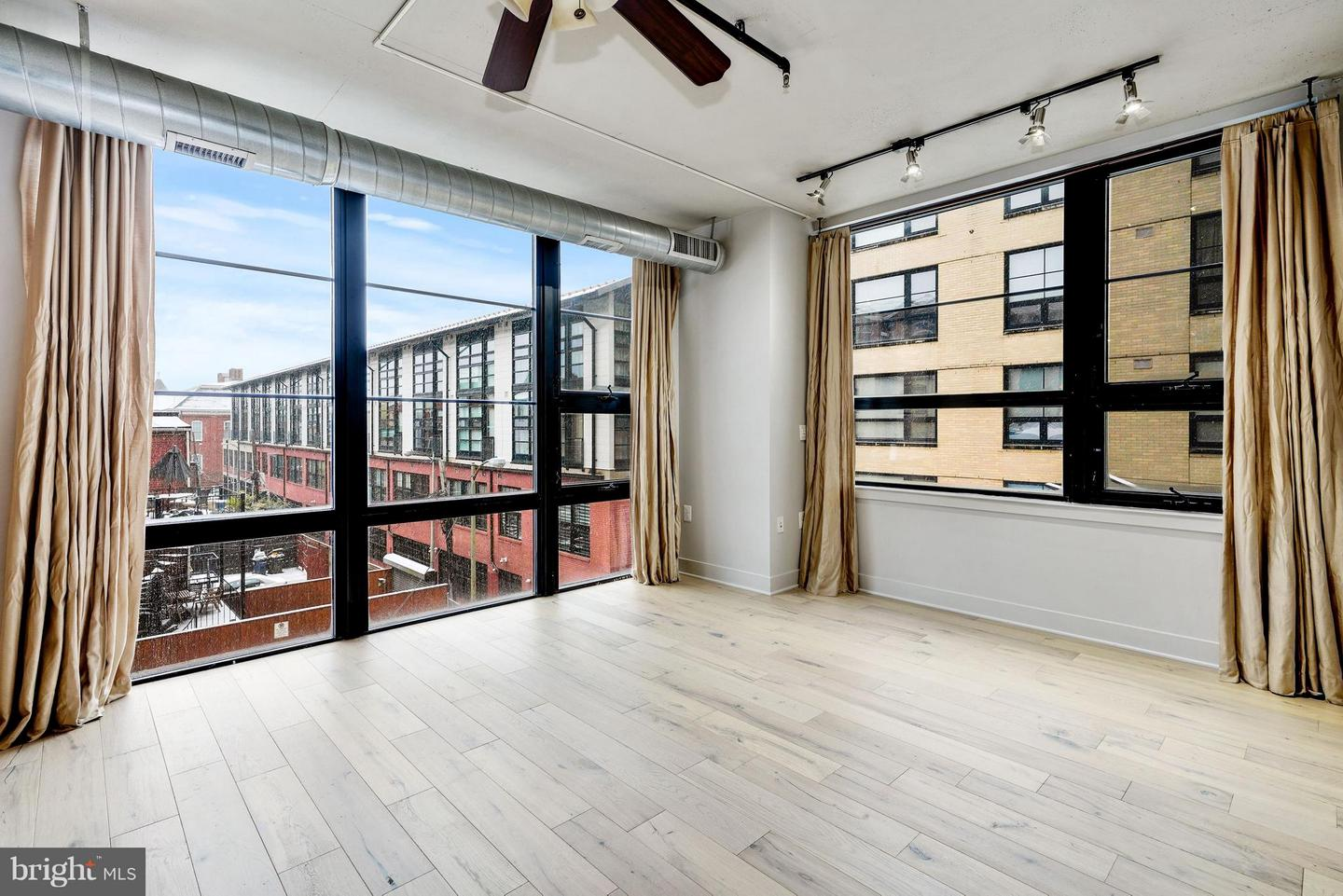 Additional photo for property listing at 2125 14th St NW #333 Washington, District Of Columbia 20009 United States