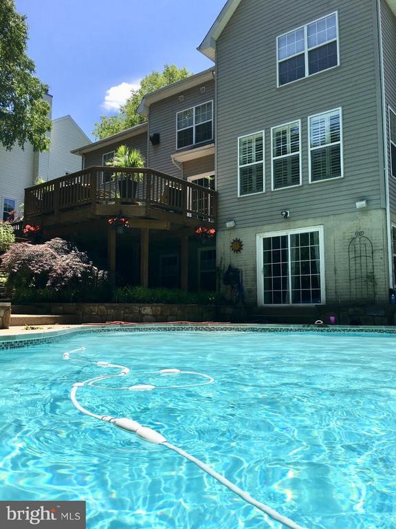 Beautiful heated salt water pool! - 1360 GRANT ST, HERNDON