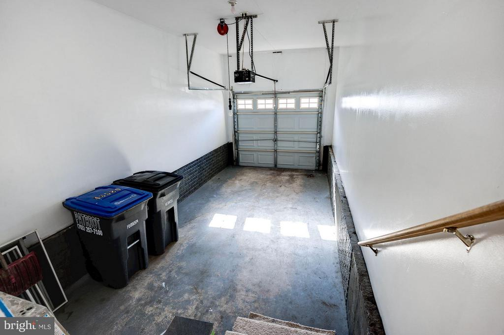 Garage - 43580 DUNHILL CUP SQ, ASHBURN
