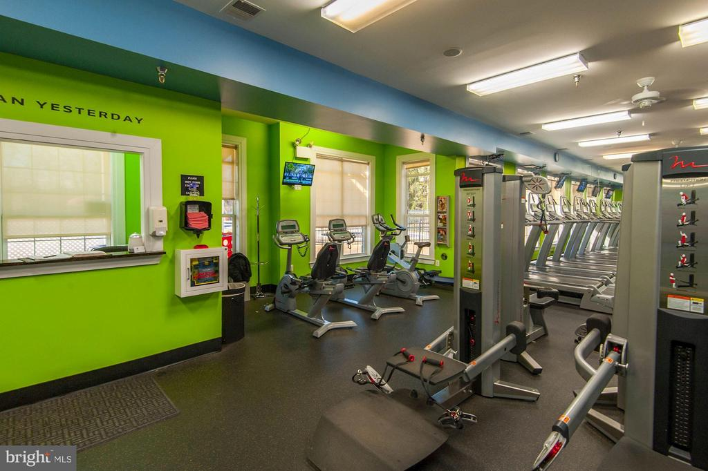 Community fitness center - 43580 DUNHILL CUP SQ, ASHBURN