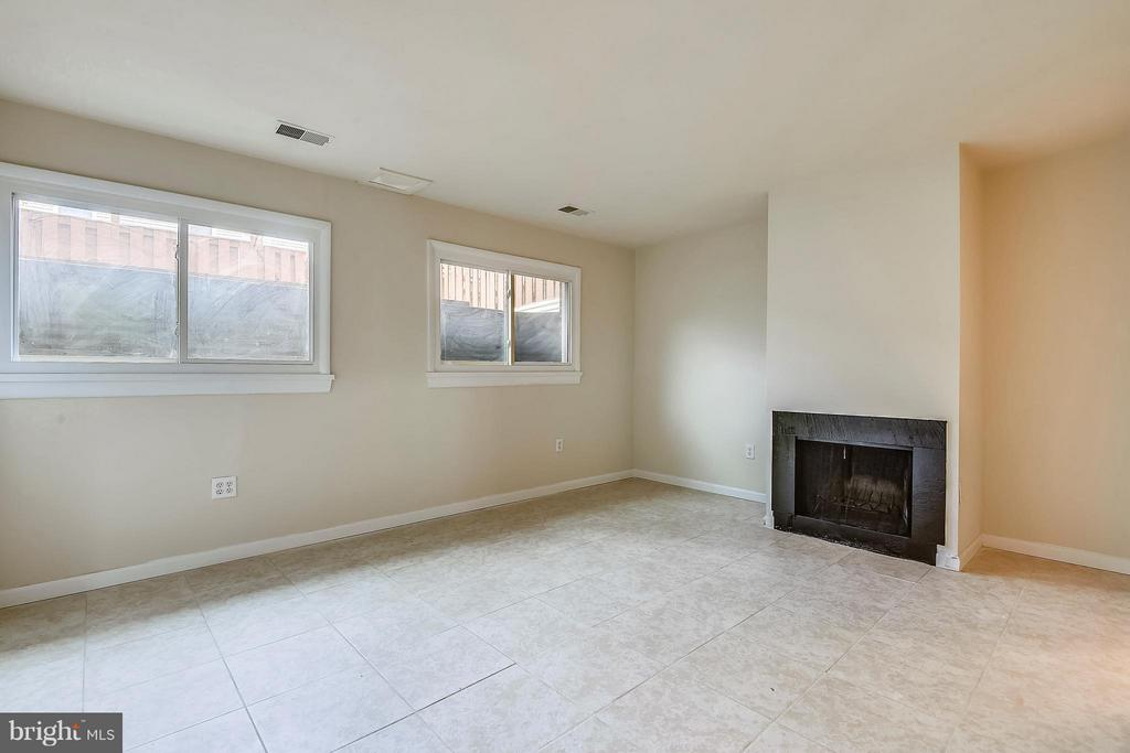 Lower Level Family Room - 13025 TRAILSIDE WAY #4, GERMANTOWN