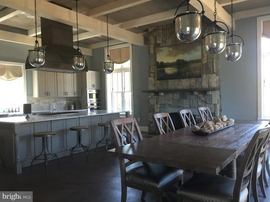 The social barn - 2312 SWEET PEPPERBRUSH LOOP, DUMFRIES